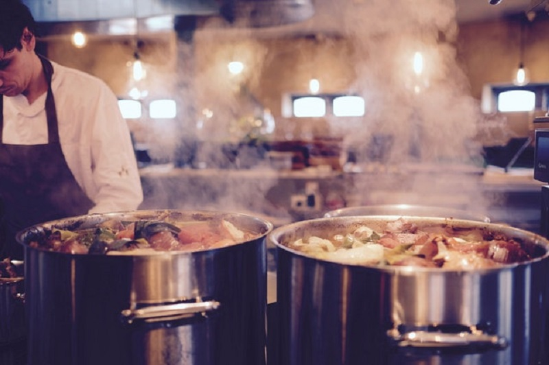 How to Avert Fats, Oils, and Grease in Your Commercial Kitchen