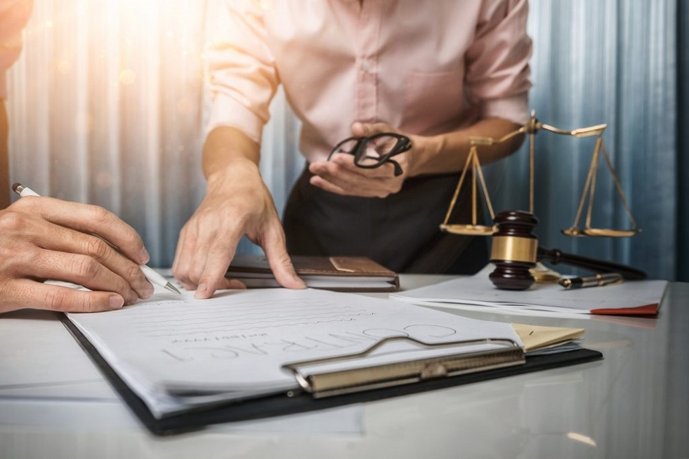 HOW TO EASE THE TASK OF SPONSORSHIP APPLICATION WITH THE HELP FROM TORONTO LAWYERS?